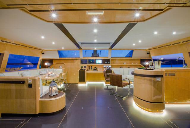 JFA-Yachts-Long-Island-85-Windquest-interior