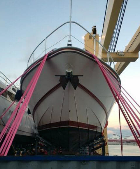 Peters-&-May-pink-lashings-2