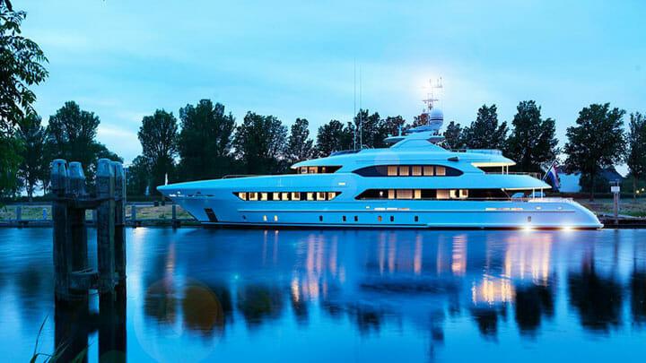 Book Ends megayacht Heesen Yachts