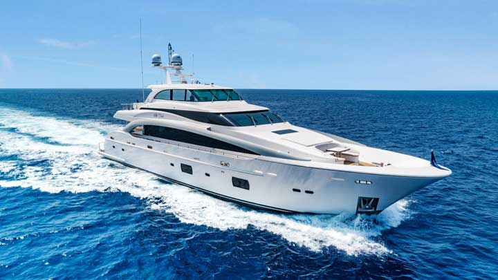 hull five of the Horizon RP110 superyacht series is for a buyer in the United States