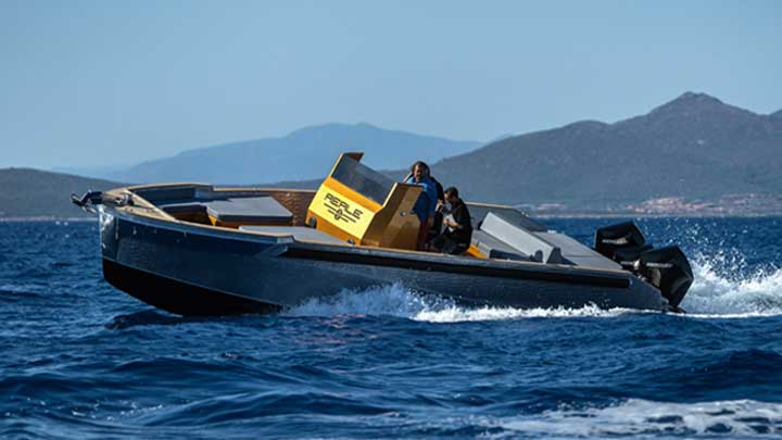 Reale Yachts offers the custom Heritage tender for megayachts