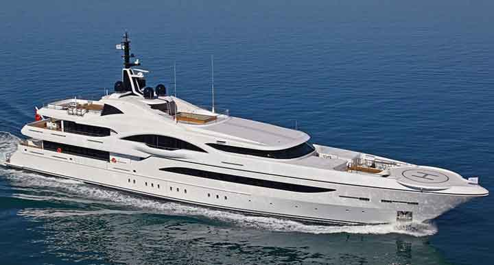 2021 Palm Beach show megayacht displays include Quantum of Solace