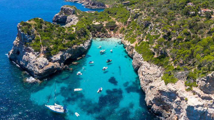 superyacht golfing holidays can be enjoyed in Mallorca