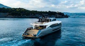 the Maiora 35 Exuma megayacht